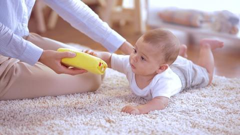 Juego de estimulación perceptiva para tu bebé
