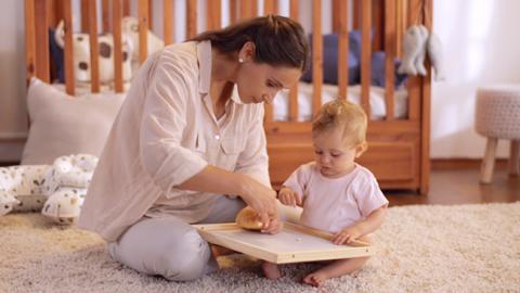 Ejercicio de coordinación motriz para tu bebé