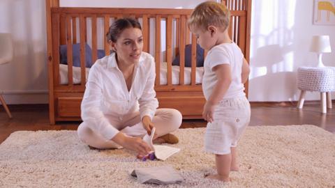 Actividad de estimulación en bebés  de 13 meses