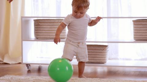 Actividad para el desarrollo del equilibrio de tu bebé