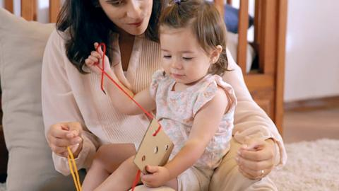 Juego de estimulación táctil para niño
