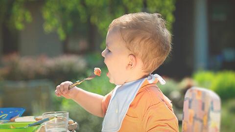 Cómo lograr una alimentación saludable de tu niño
